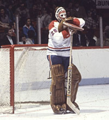 A Look at Old School Hockey Goalie Equipment