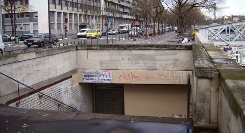 Entrance to station Arsenal, Paris