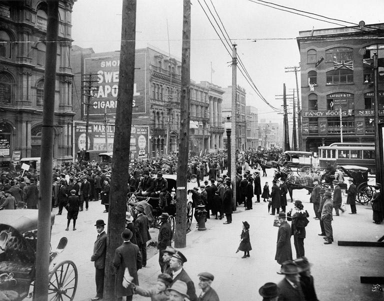 Anti-conscription_parade_at_Victoria_Square